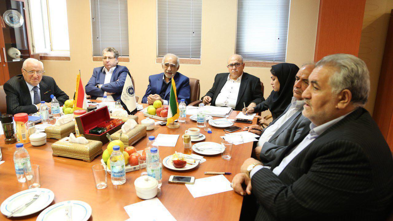 استان اصفهان به صورت متمرکز در بازسازی سوریه و تامين کالاهای مصرفی این کشور مشاركت می کند