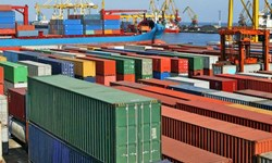 مدیرکل صادرات گمرک در گفتوگو با فارس/ تصمیمات خلقالساعه صادرات را مختل میکند