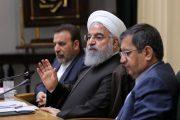 دستور روحانی به همتی برای تامین ارز واردات ماسک و لباس پزشکی