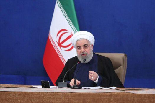 روحانی در جلسه ستاد هماهنگی اقتصادی دولت: تجار و بازرگانان به هیچ وجه نباید در مسیر فعالیت خود درگیر موانع اداری شوند