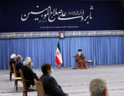 رهبر معظم انقلاب اسلامی در دیدار اعضای شورایعالی هماهنگی اقتصادی: مشکل اقتصاد کشور نداشتن راهکار نیست.همت، شجاعت و پیگیری جدی نیاز است