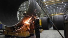 بازسازی و نوسازی صنایع کشور چگونه امکانپذیر است؟