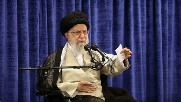 رهبر معظم انقلاب اسلامی در دیدار مسئولان و کارگزاران نظام دولت با کمک بخش خصوصی حرکت عظیم اشتغالزا و تولید آفرین بوجود آورد